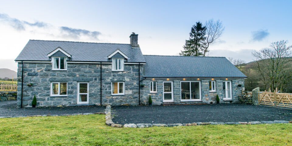 SELF CATERING COTTAGE NEAR BALA | TALYBONT