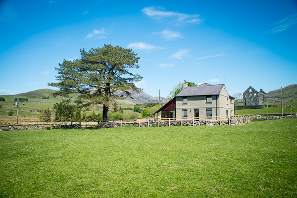 Traditional Farmhouse Accommodation in Snowdonia | Bryn-Weirglodd