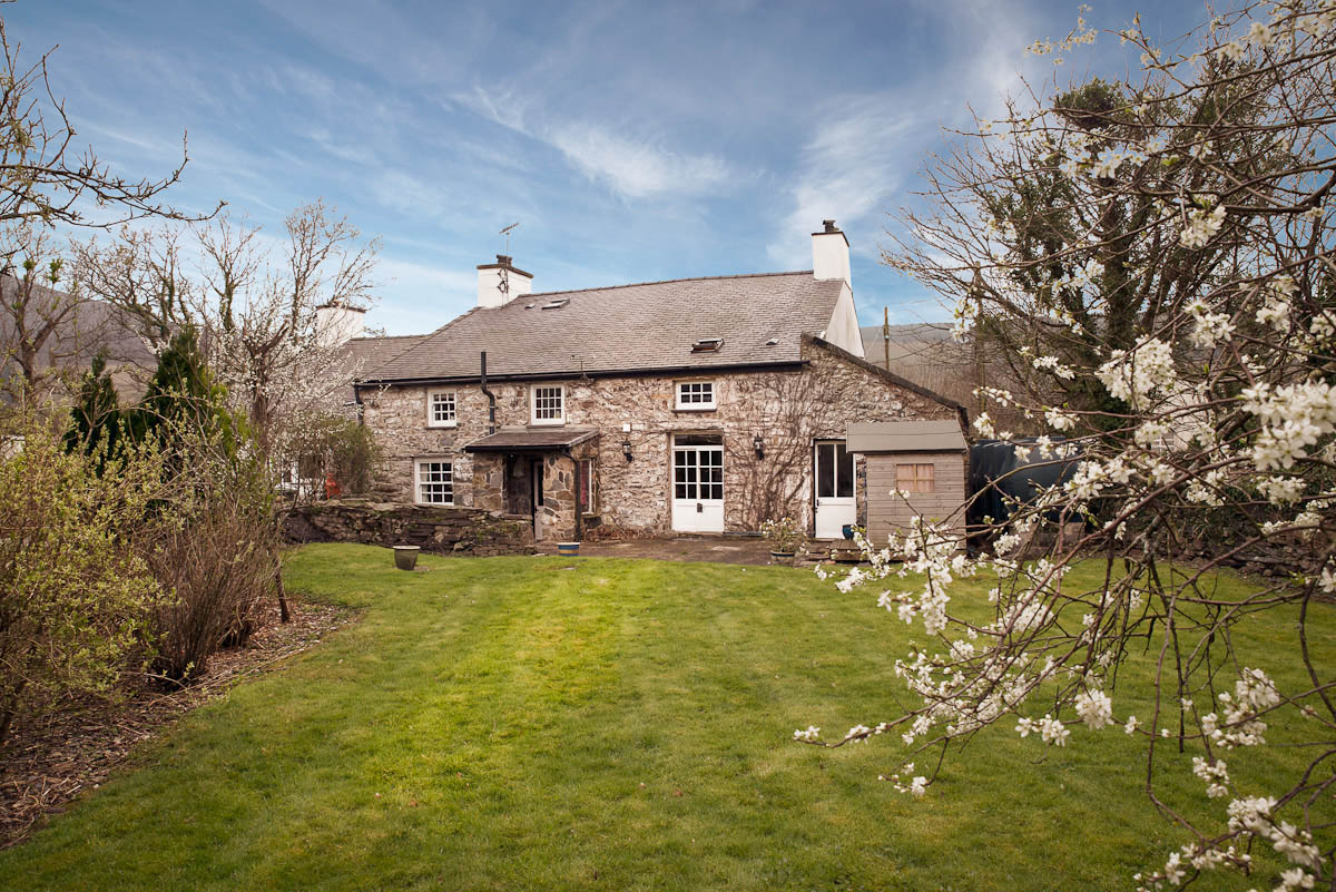 Large Self Catering Property in North Wales | The Coach House