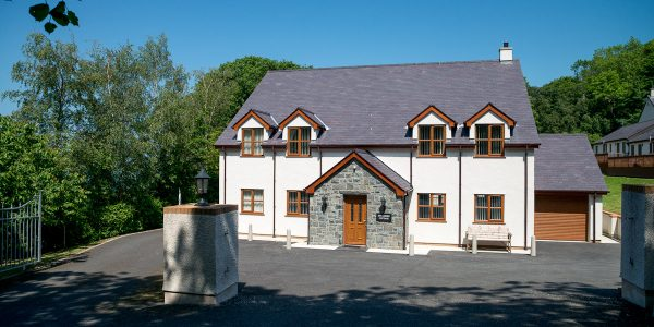 LARGE SELF CATERING HOLIDAY HOME NEAR CONWY