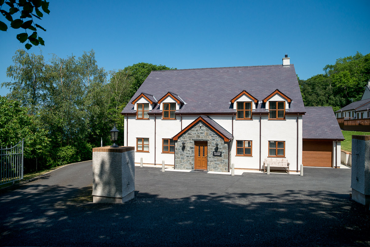 LARGE SELF CATERING HOLIDAY HOME NEAR CONWY | SYCAMORE-COTTAGE