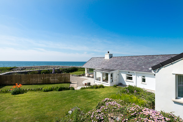 Seafront Holiday Cottage North Wales | Yr-Odyn