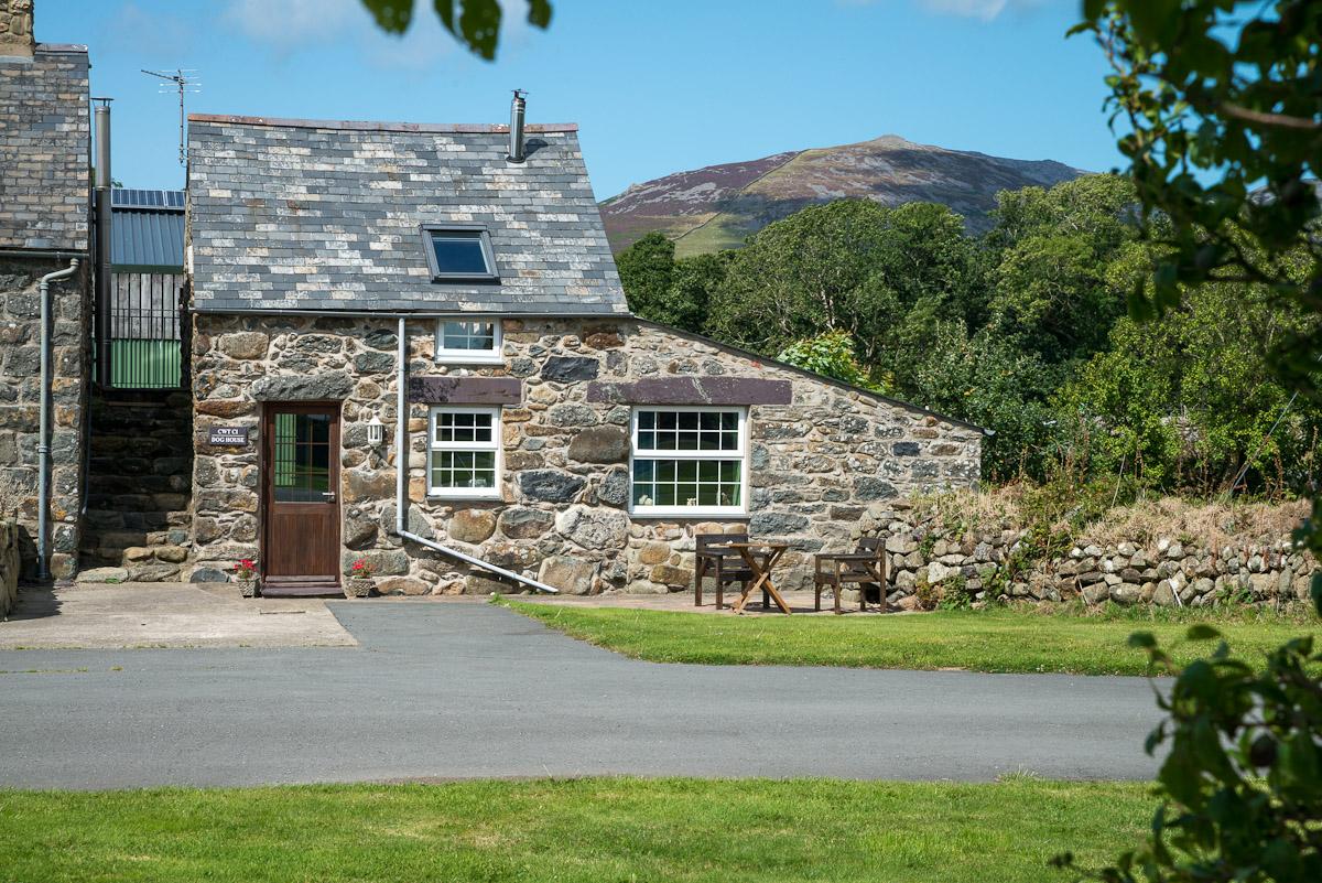 One Bedroom Holiday Cottage Near Pwllheli | Cwt-Dyrus