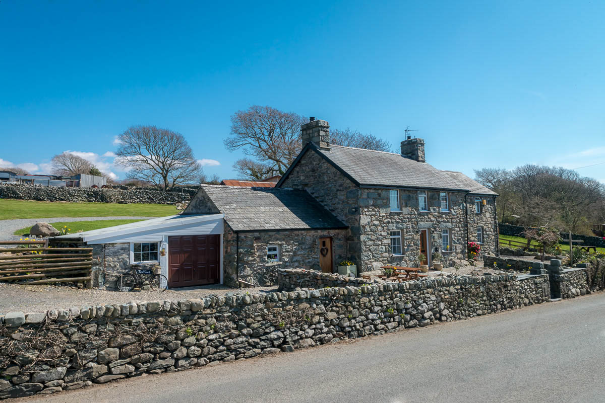 Holiday Cottage Near Barmouth With Sea Views | Tyn-Y-Coed-House