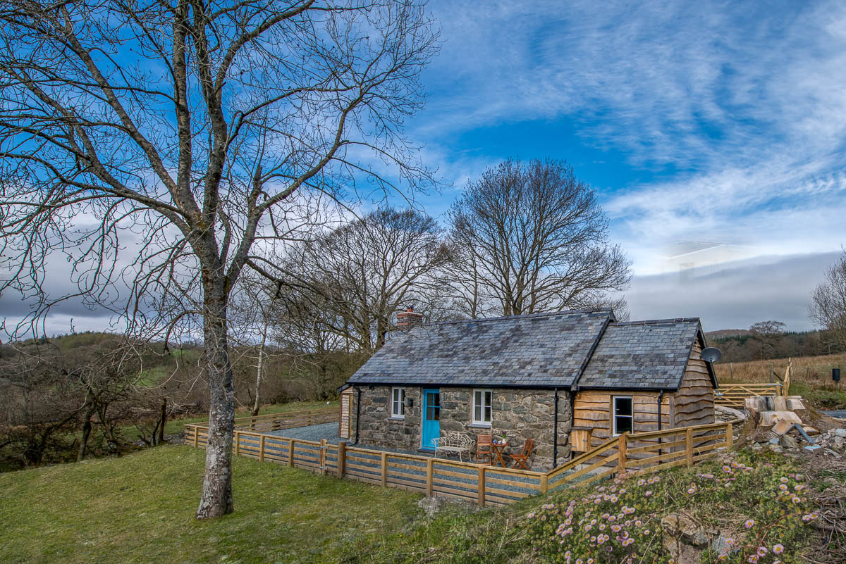 Romantic one bedroom holiday cottage in Bala North Wales | Ty-Newydd