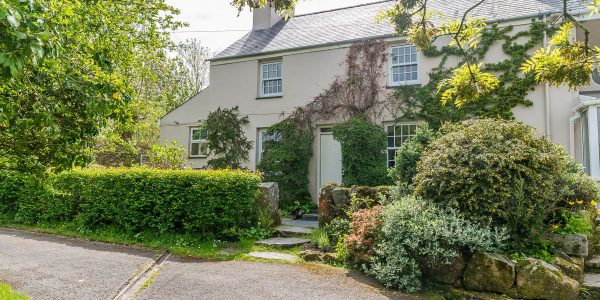 HOLIDAY COTTAGES FOR HALF TERM