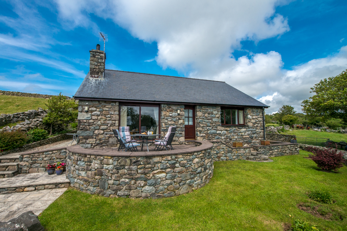 Farm Holiday Cottage near Harlech | Llanfair-Cottage