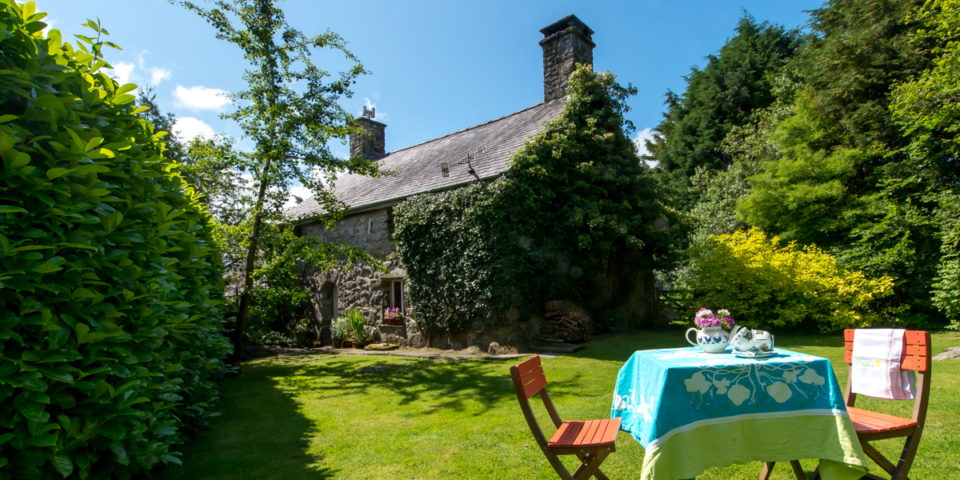 Charecter Holiday Cottage Near Criccieth | Llys-Derwin