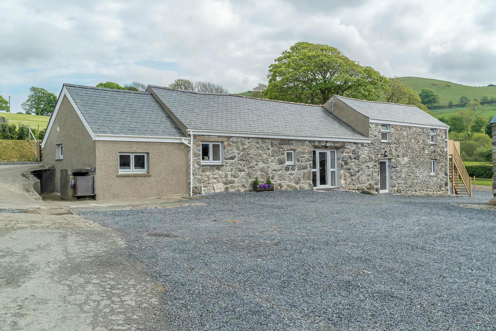 Farm Holiday Cottage Walking Distance From The Beach | Coetsiws-Penarth