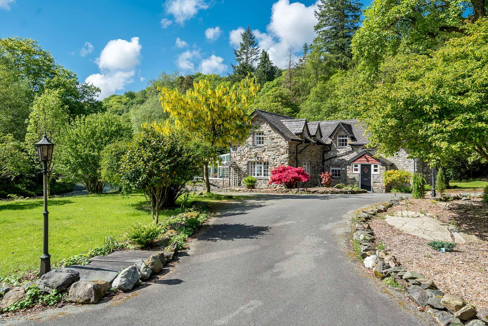 Holiday Cottage On The Glaslyn River Near Beddgelert | Glaslyn-House
