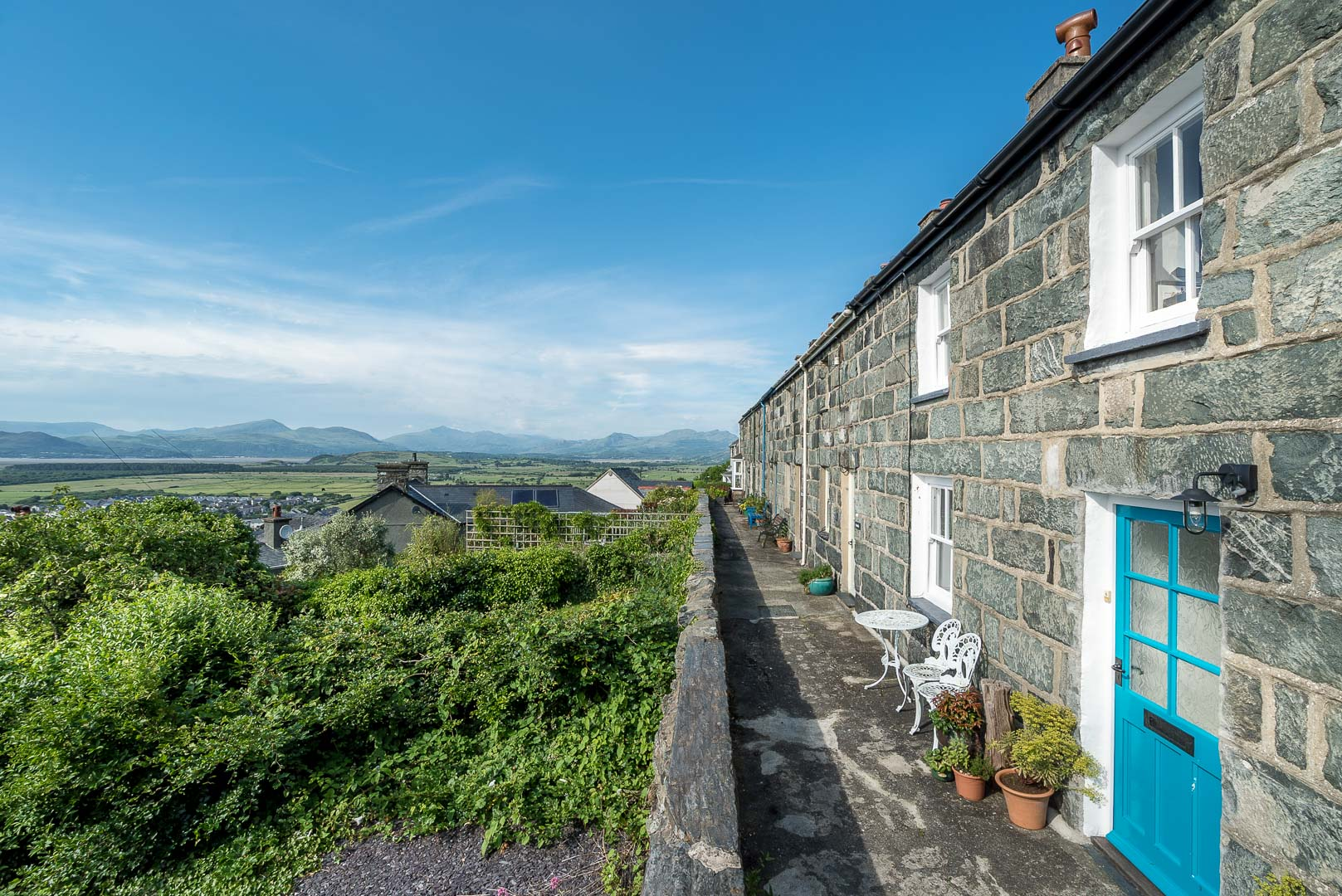 Four Bedroom Holiday Cottage in Harlech | Porkington-Terrace