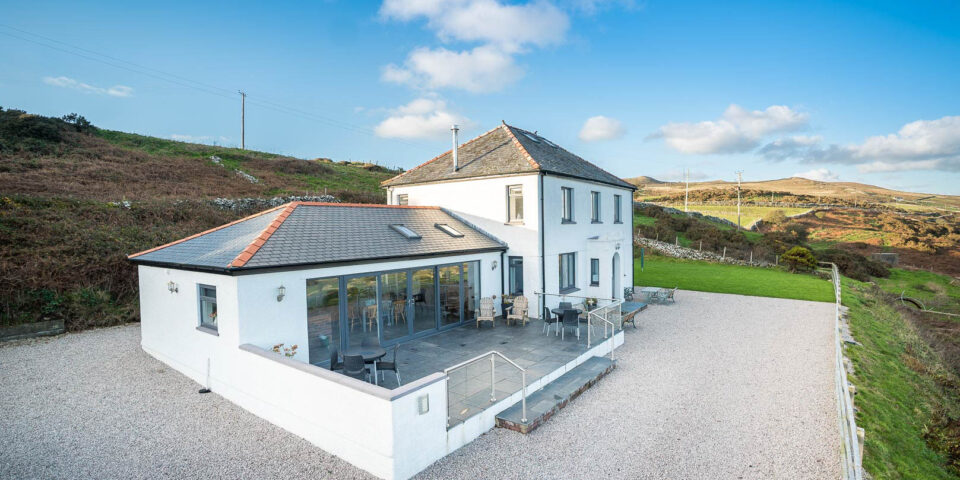 Large Holiday Cottage With Hot Tub Near Abersoch