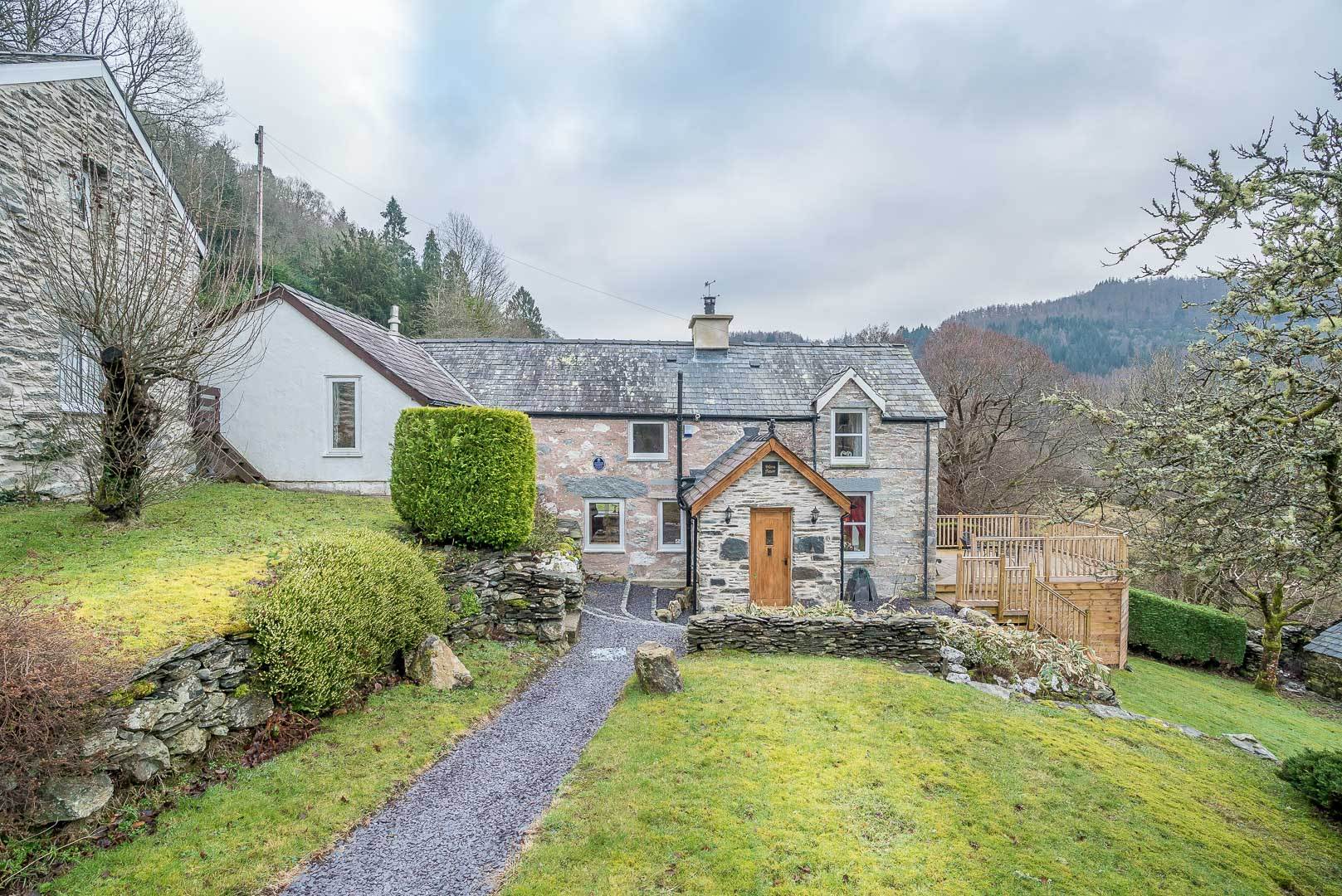 Holiday Cottage With Fantastic Views Near Fairy Glen   Wern