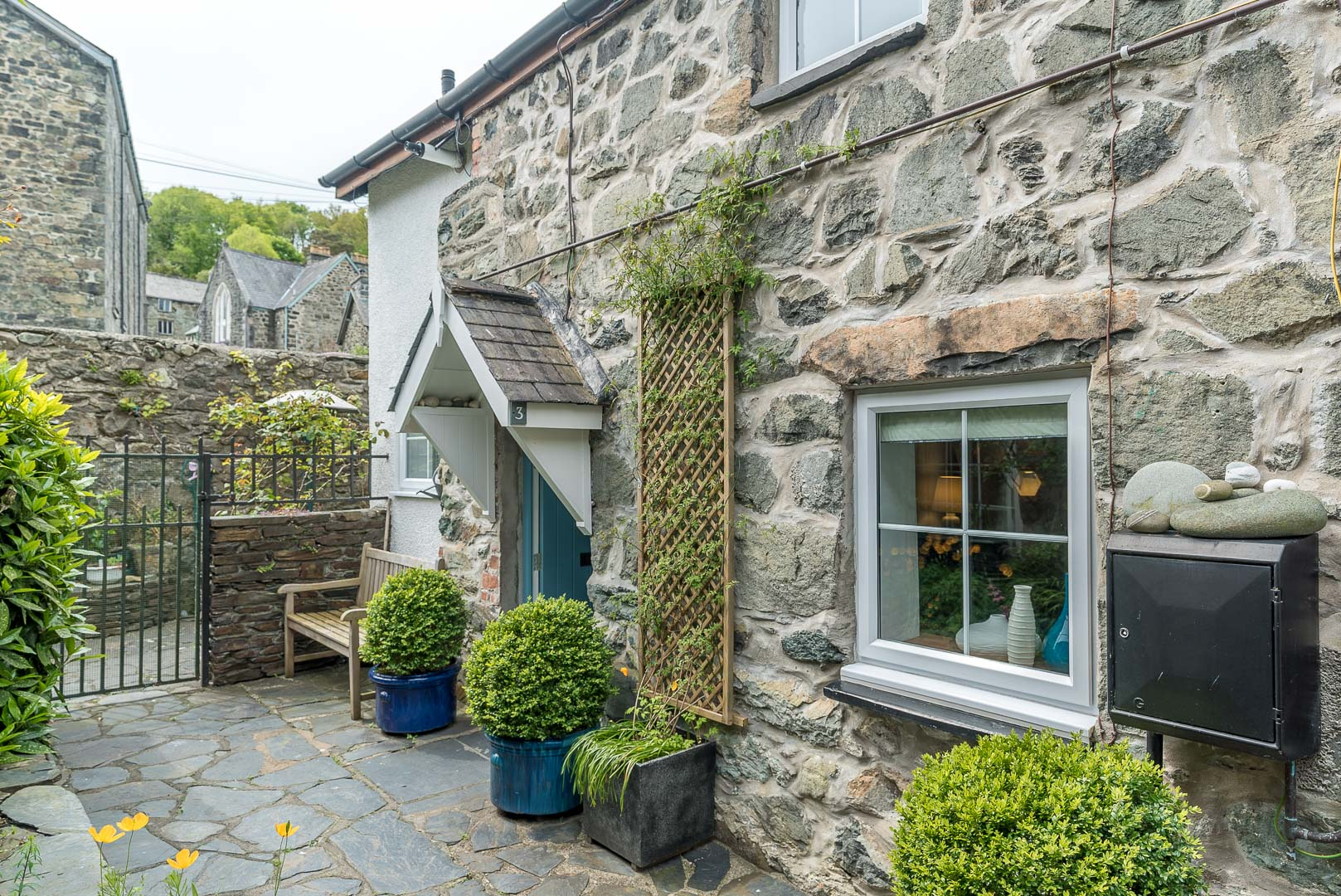 Romantic One Bedroom Cottage in Dolgellau | Ty-Eiddew