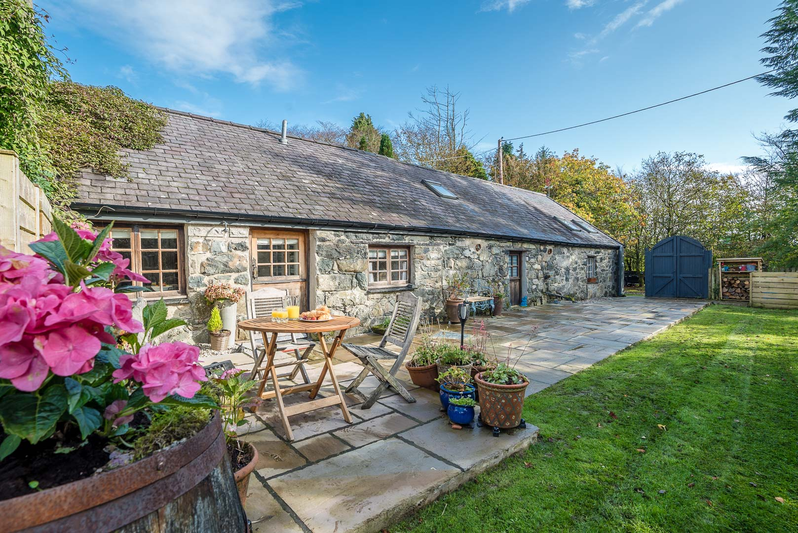 Traditional Barn Conversion With Lots of Character Features | Stabal-Derwin