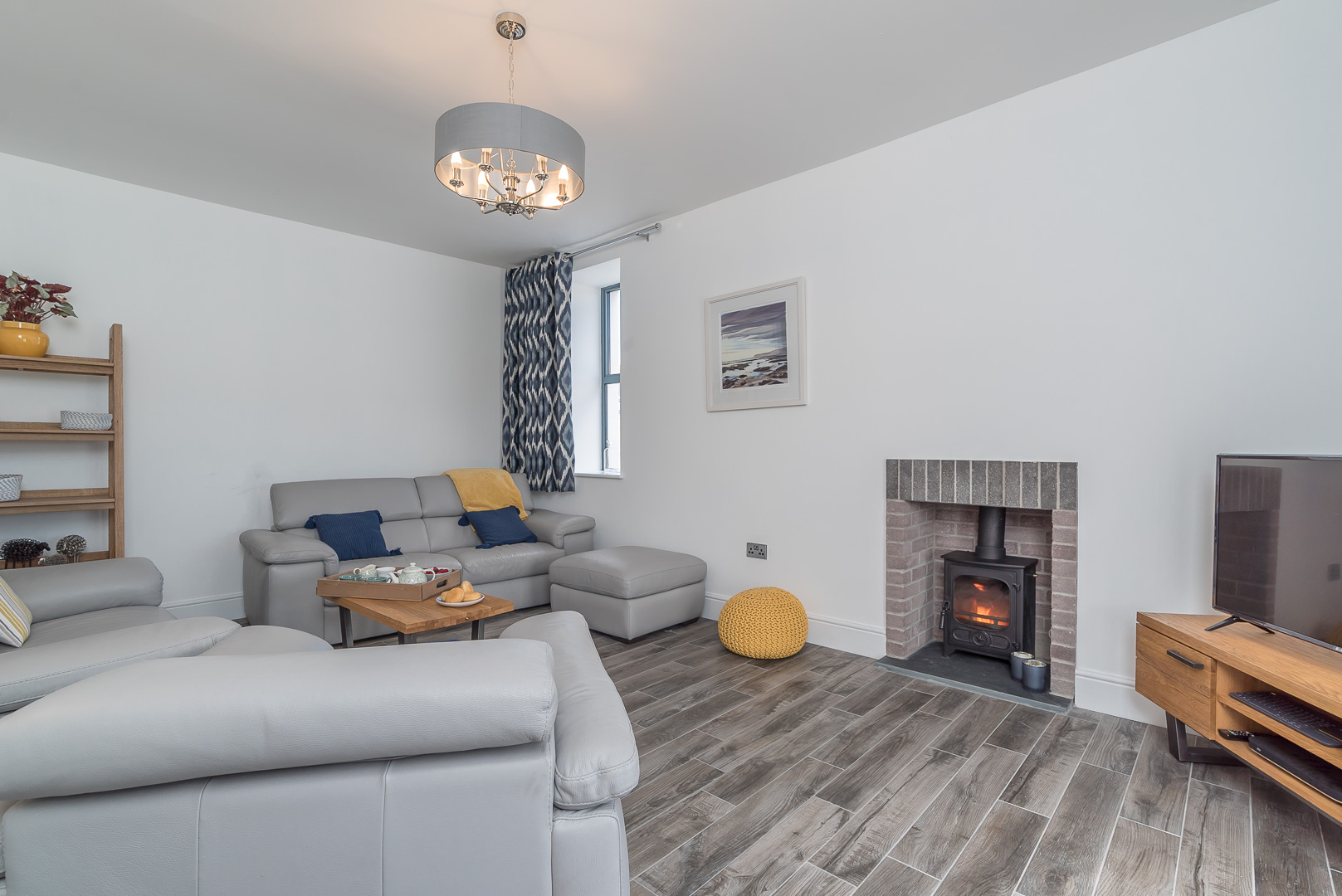 SPACIOUS FOUR BEDROOM HOLIDAY ACCOMMODATION ON ANGLESEY | BRYNDEUSANT