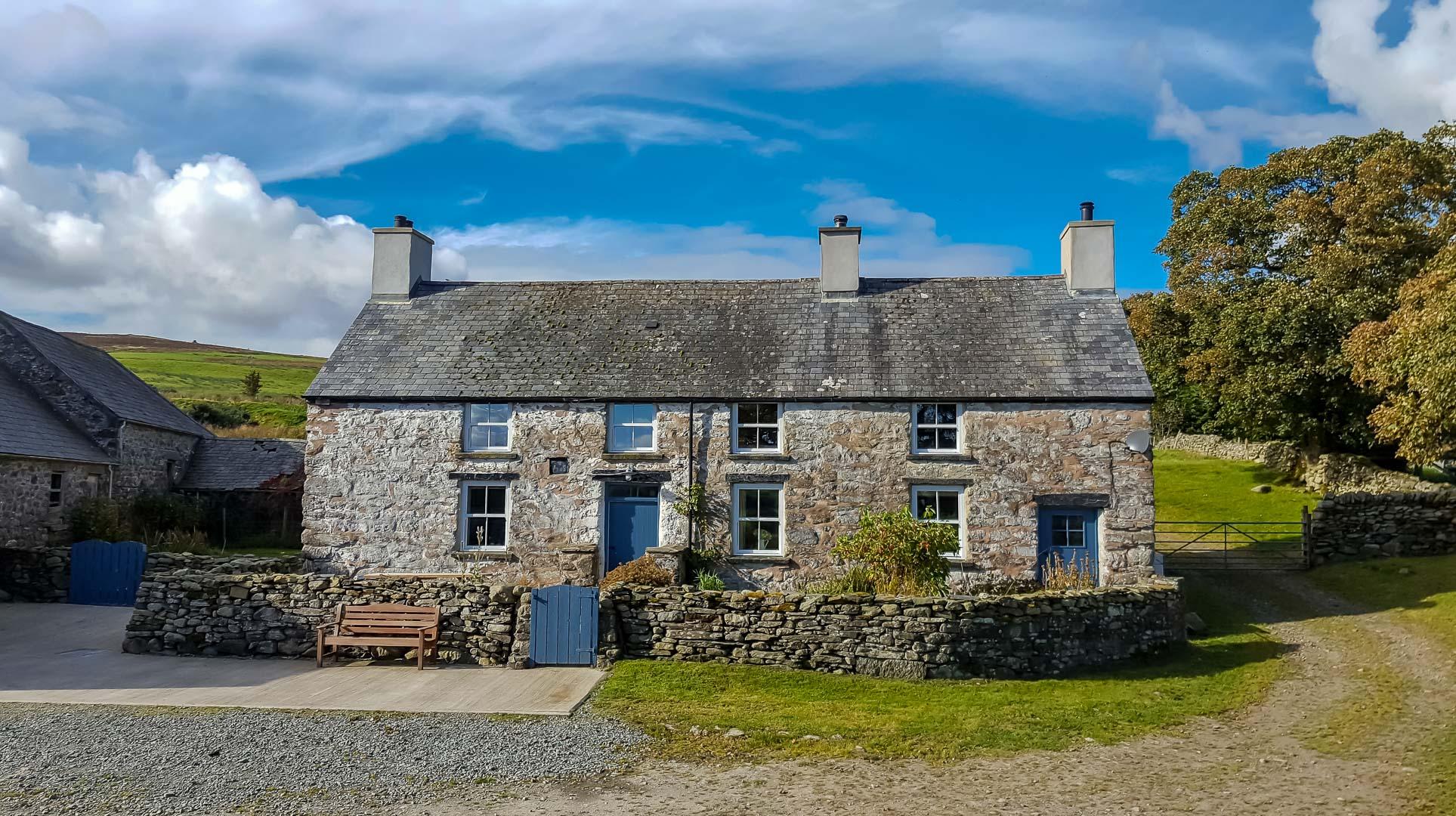 Luxury Farmhouse in Mountain Location | Cwmain