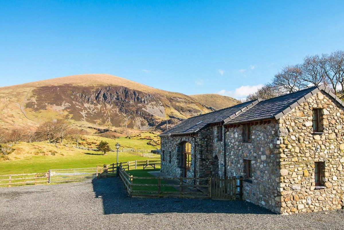 Holiday Cottage in Wild Snowdonia | Ysgubor-Goch