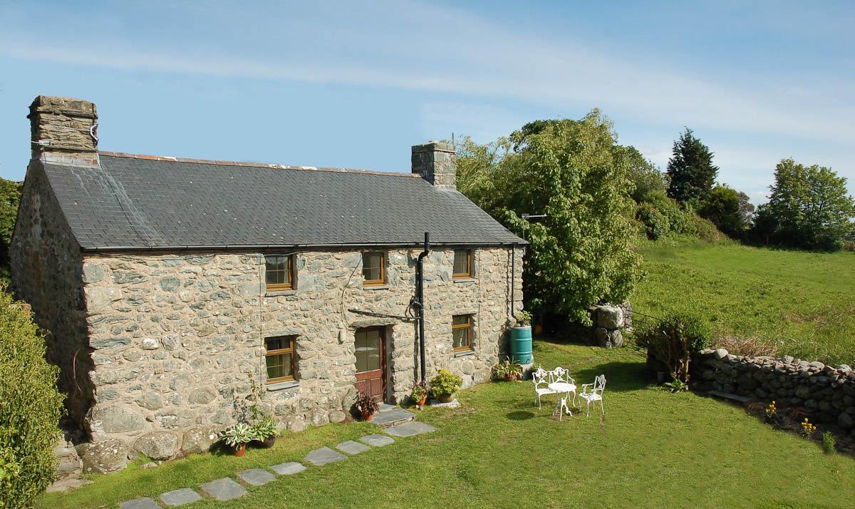 Holiday Cottage Dyffryn Ardudwy, Sea Views and Walking Distance to Pub   Y-Felin