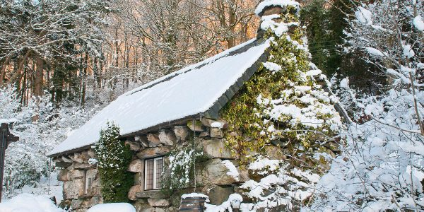 Holiday Cottages With That Extra Christmas Cheer