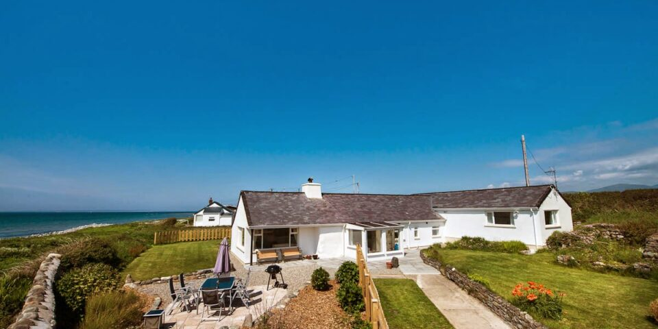 Seafront Holiday Cottage North Wales, Yr-Odyn