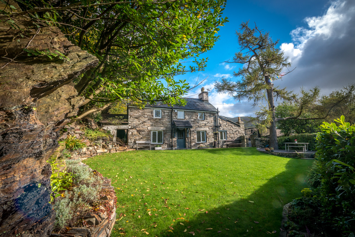 Detached Stone Holiday Cottage Near Harlech | Cefn-Trefor