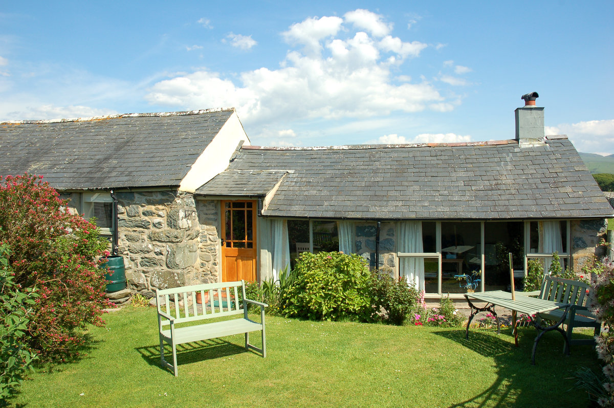 Two Bedroom Ground Floor Holiday Cottage | Bennar Beach