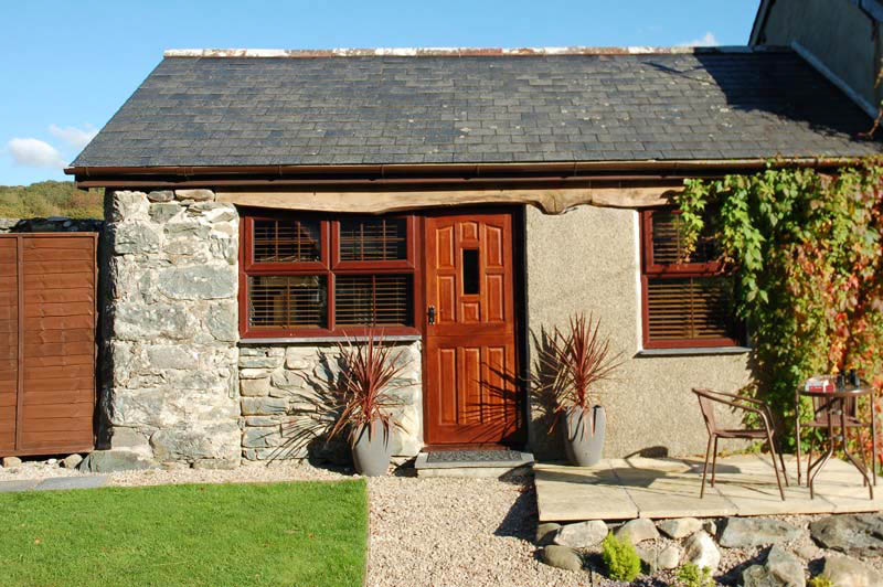 Pet Friendly Self Catering Cottage near Barmouth | Bwthyn-Bach