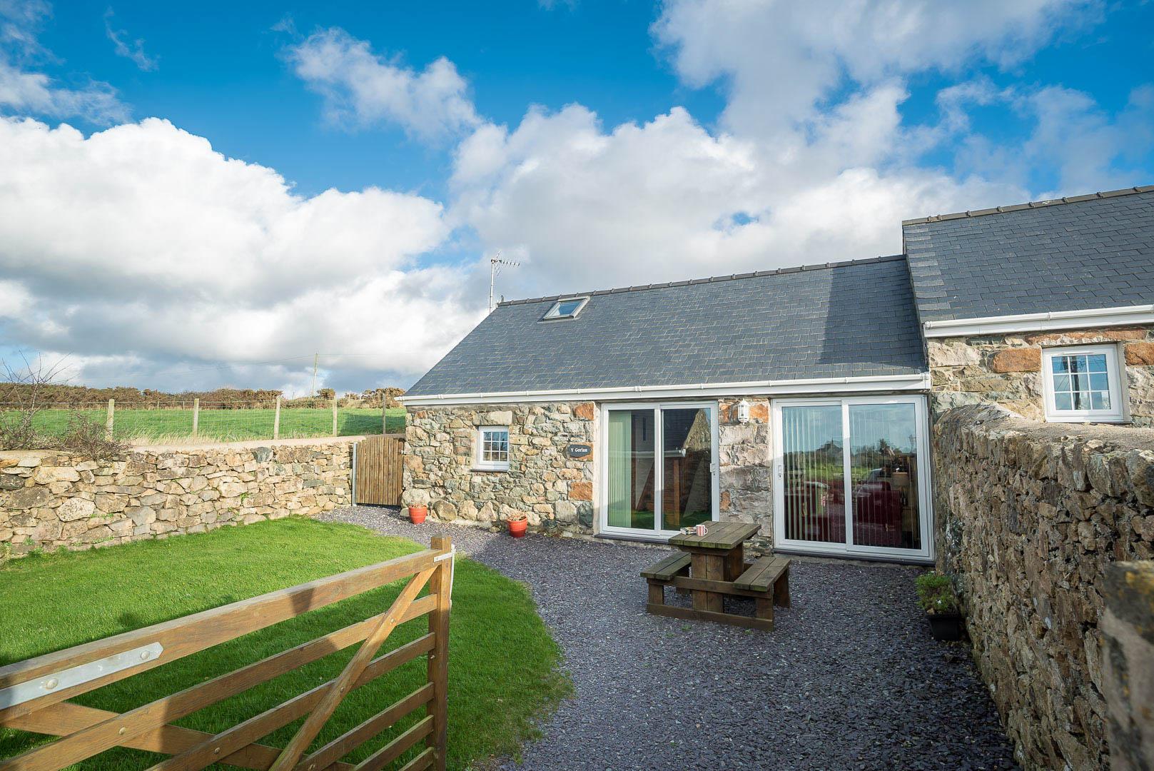 Farm Holiday Cottage On The Llyn Peninsula | Gorlan-Llwynfor