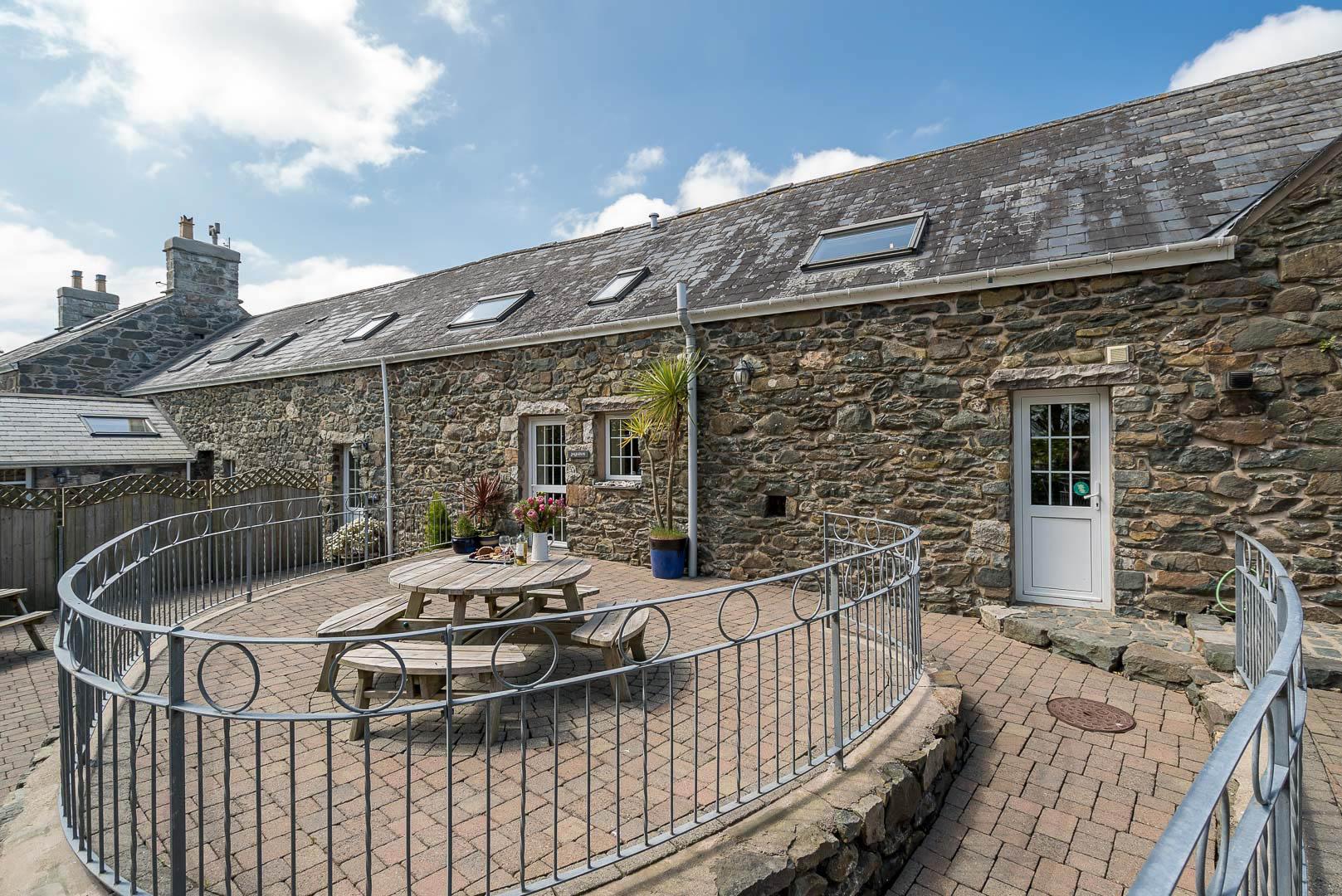 Holiday Cottage On A Working Farm On The Llyn Peninsula | Ysgubor-Sarn