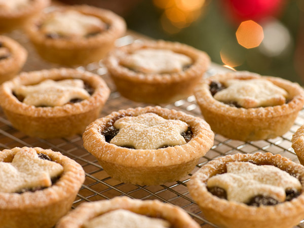 Christmas Holiday Cottage | Mince Pies on a Cooling rack