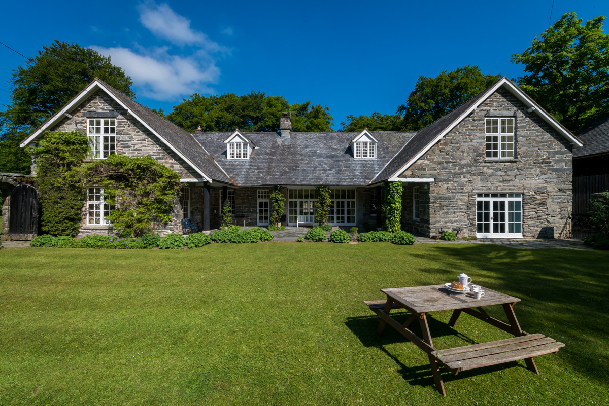Large Self Catering Property In North Wales | The-Coach-House