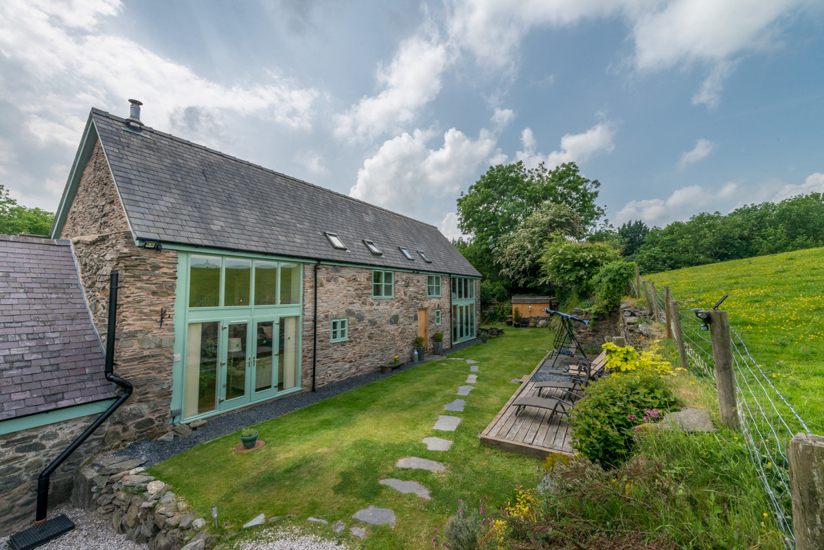 Luxurious Barn Conversion in the Foothills of North Wales | Maerdy-Barn