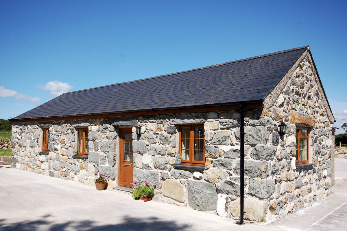 Ground Floor Barn Conversion, 2 Bedroo Llyn Peninsula | Bryncaled