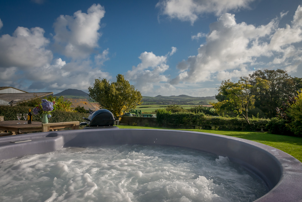 Top 5 North Wales Holiday Cottages with a Hot Tub