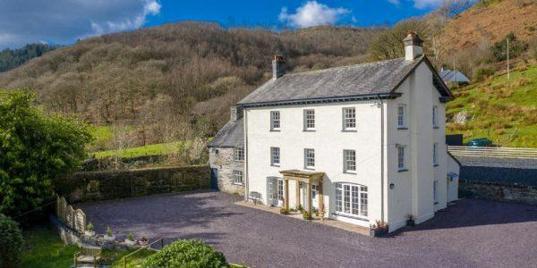 Half term discount at Beautiful Georgian Style Cottage, Penrhyn